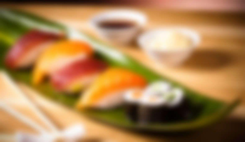 Hot, extra Sushi